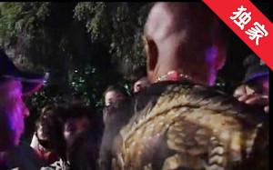 【视频】两名男子干扰跳广场舞 大妈报警