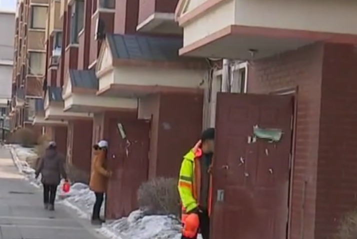 【视频】小区严管控 守好家园防疫门