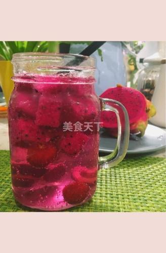火龙果樱桃苏打水