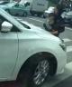 """朋友圈疯传:延吉一女子抱孩子在路中间,挨个车""""碰瓷儿""""!咋回事儿?"""