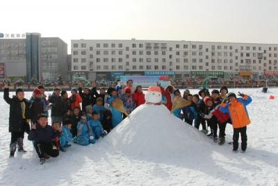 """""""冬季与雪人相拥 我们的童年不同样"""" ——记进学堆雪人活动"""