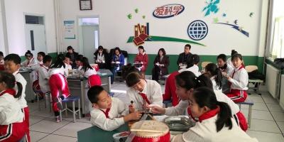 进学送课下乡传经验 共同提高促发展