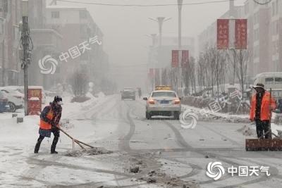 吉林遭遇强冷空气 长白山将迎大到暴雪