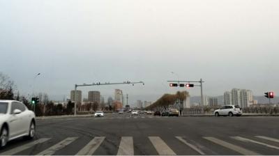 延吉网友:天池大桥左转灯敢不敢长点?