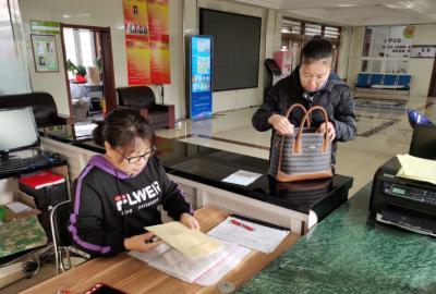 文化街道文慧社区开展无籍房登记工作