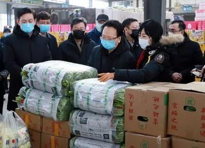 """景俊海进市场、入超市,强调要落实好""""米袋子""""""""菜篮子""""负责制"""