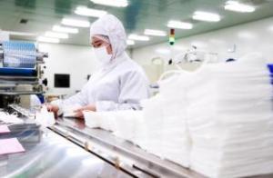 延吉金达莱医疗器械有限公司紧急订购并安装调试设备 开工生产医用帽子