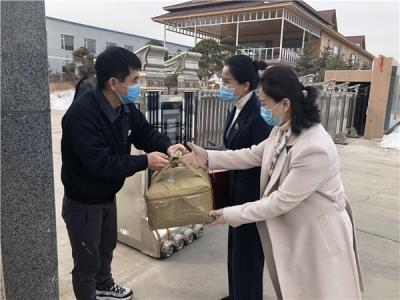 延吉市妇联慰问驰援武汉医护人员家属