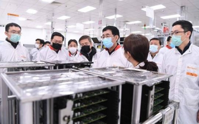 巴音朝鲁在长春市调研指导疫情防控和企业复工复产