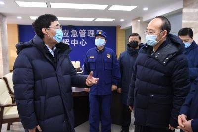 巴音朝鲁检查指导省应急管理厅安全生产工作