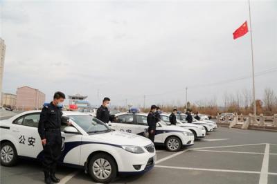 致敬·缅怀·前行—延吉市公安局在清明节组织开展致敬公安英雄和为新冠肺炎疫情牺牲烈士、逝世同胞哀悼活动