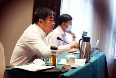"""吉林省代表团继续分组审议""""两高""""报告 巴音朝鲁景俊海参加审议"""