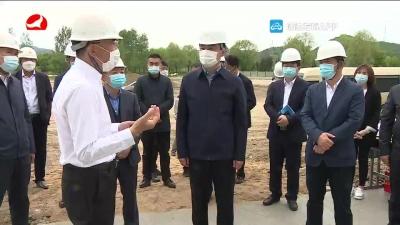 田锦尘到安图县调研