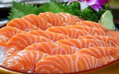北京主要商超已连夜下架全部三文鱼商品