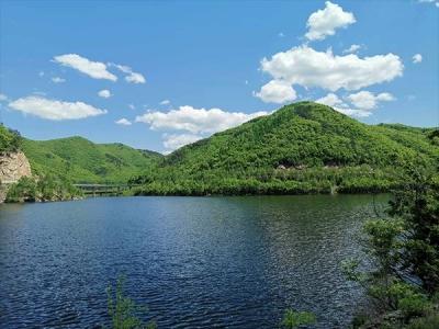 """和龙开展河湖环境整治,多措并举共筑""""绿水青山"""""""