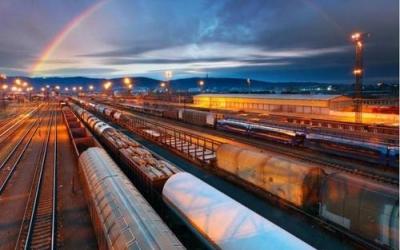 7月份国家铁路完成货物发送3.2亿吨