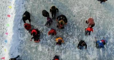【视频】美丽中国·鲜到延边!抽陀螺、滑冰车,冰雪游戏乐趣多!
