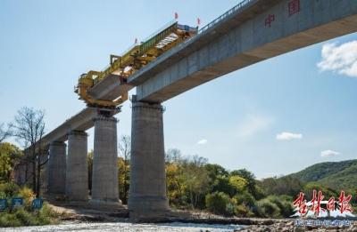 敦白高铁DBSG-1标段箱梁架设全部完成,铺轨通道全面连通