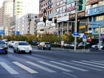 延吉交警部门将根据季节、时令变化适当调整信号灯配时