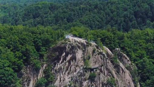 美丽中国·鲜到延边!百变奇崖,多彩石峰!