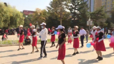【视频新闻】迎国庆过中秋 喜庆祥和气氛浓