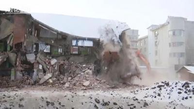 敦化市政府依法拆除新华小区D地块被征收范围内的7户房屋