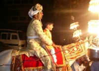 운 없는 새신랑…결혼식 축포 맞아 사망