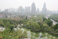 아름다운 신강 푸르른 도시건설에 총력 기울여