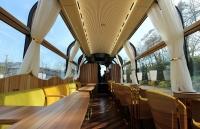 일본에서 출시한 투명 관광열차
