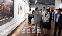 공산당 창건 95돐 맞이 미술작품전시회 열려