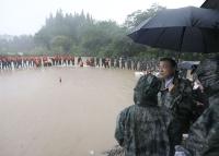 이극강 총리, 장강과 회하유역 홍수방지 사업 시찰