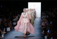 뉴욕의 모든 모델은 히잡을 썼다…기립박수가 터졌다