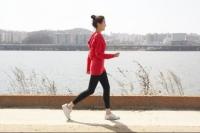 하루 21분 규칙적인 '걷기', 심혈관질환 30% 줄여