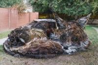 환경오염 경고하려 쓰레기로 놀라운 조각 만든 남성