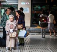 로령화 심각한 일본,  80세 로인도 일터로