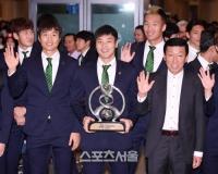 [한국언론]'중국 러브콜' 받던 최강희 감독, 전북 잔류할듯
