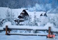 """신강 북부 산속 오래된 마을, 큰눈이 내린후 """"동화세계""""로 변해"""