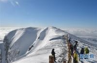 아름다운 장백산 관광객들의 눈길 끌어