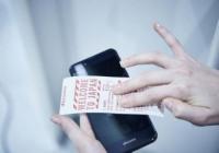 일본 화장실에 '스마트폰 전용 화장지'.. 청결 vs 더 불결해