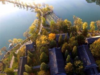 가을의 승덕 피서산장