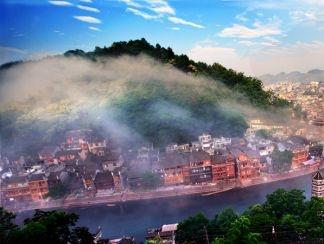 봉황: 가장 아름다운 소도시
