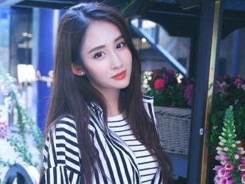 북경 예술학교 출신 라이징 '녀신', 중국 최고의 녀스타와 닮아 화제