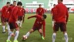 [포토]12라운드경기를 앞두고 잔디적응훈련중인 연변부덕팀,광주항대팀