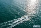 푸른 바다와 심산유곡을 끼고 있는 남궤렬도의 아름다운 여름 풍경