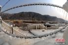 황하강 호구폭포의 겨울철 절경…'무지개+대형 고드름'