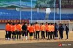(포토)연변북국팀 훈춘인민체육장서 잔디적응훈련 진행